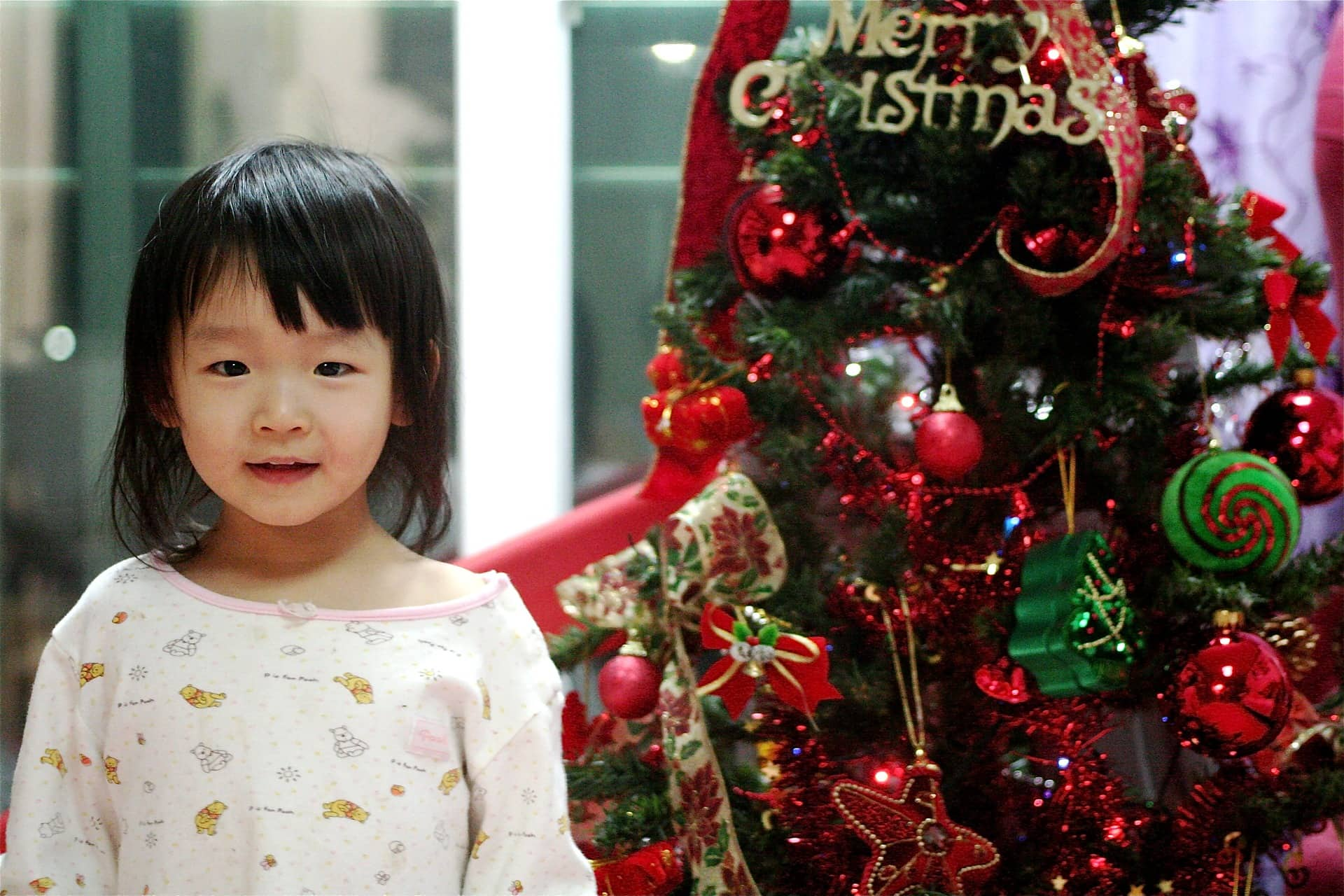 Christmas Traditions for Children: Decorate the Christmas Tree