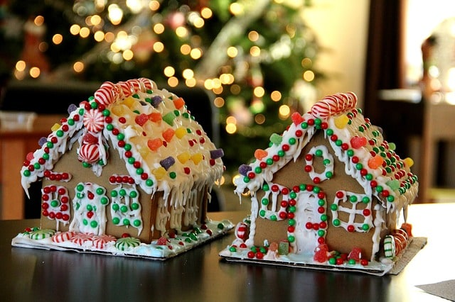 Christmas Traditions for Children: Make a Gingerbread House