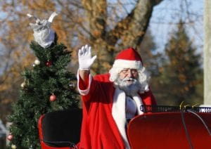 Christmas Traditions for Children: Watch the Santa Claus Parade